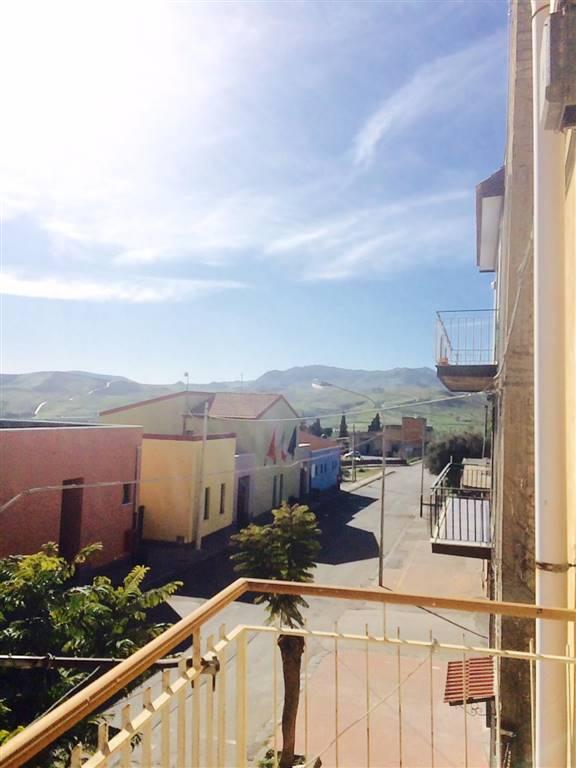Appartamento in vendita a Catenanuova, 8 locali, prezzo € 125.000 | CambioCasa.it
