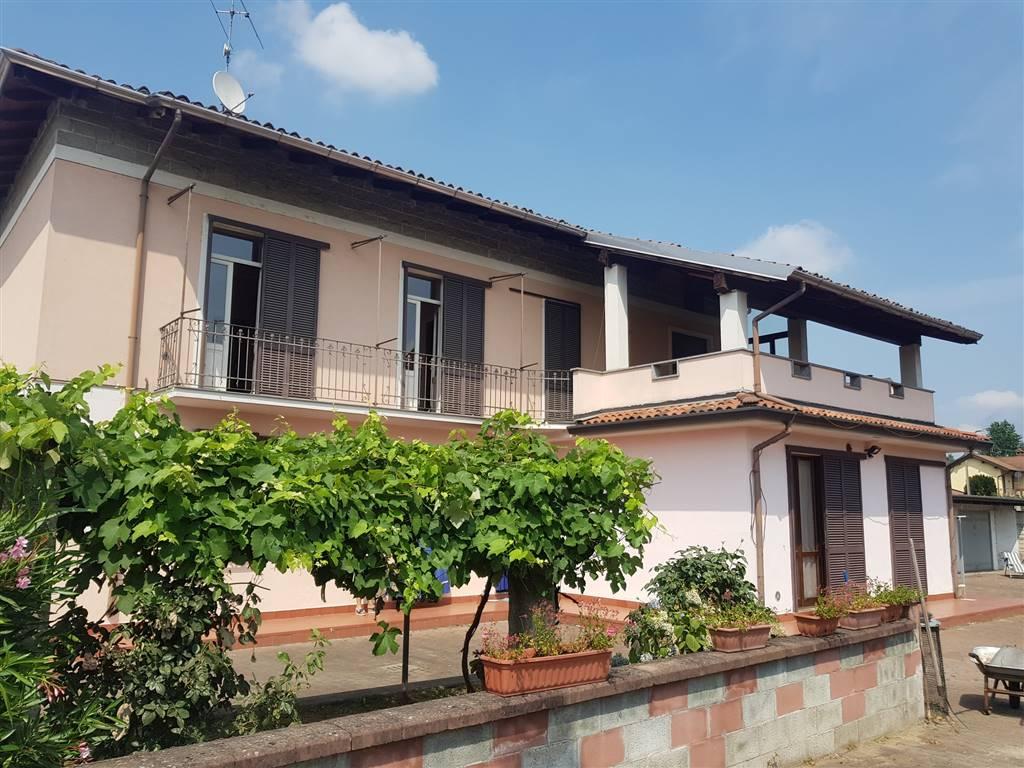 Casa semi indipendente, Parona, abitabile