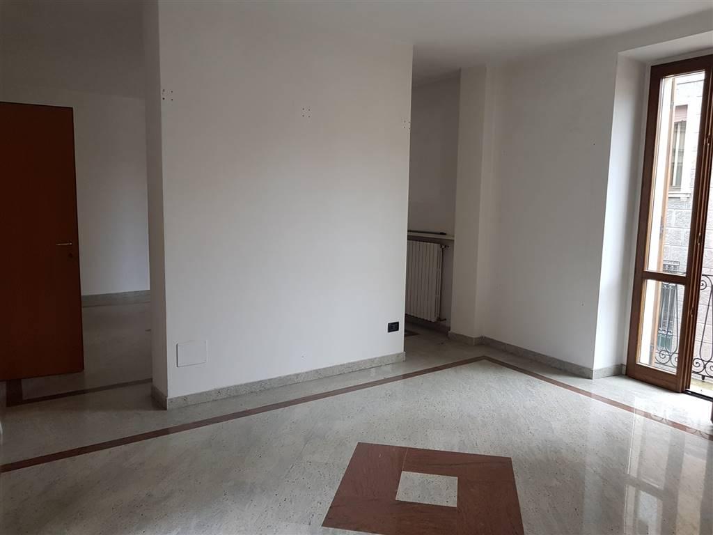 Attività / Licenza in affitto a Vigevano, 4 locali, prezzo € 800 | CambioCasa.it