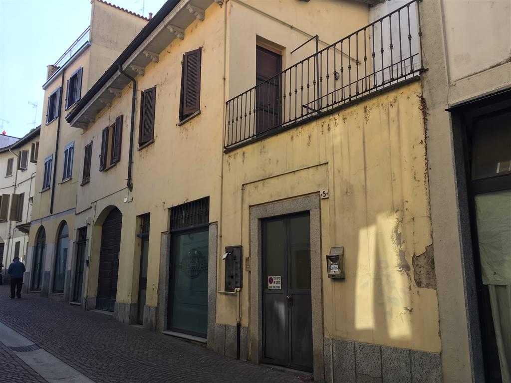 Attività / Licenza in affitto a Vigevano, 2 locali, prezzo € 450 | CambioCasa.it