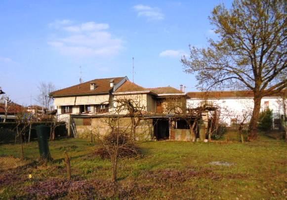 Villa in vendita a Vigevano, 2 locali, zona olini, prezzo € 99.000 | PortaleAgenzieImmobiliari.it