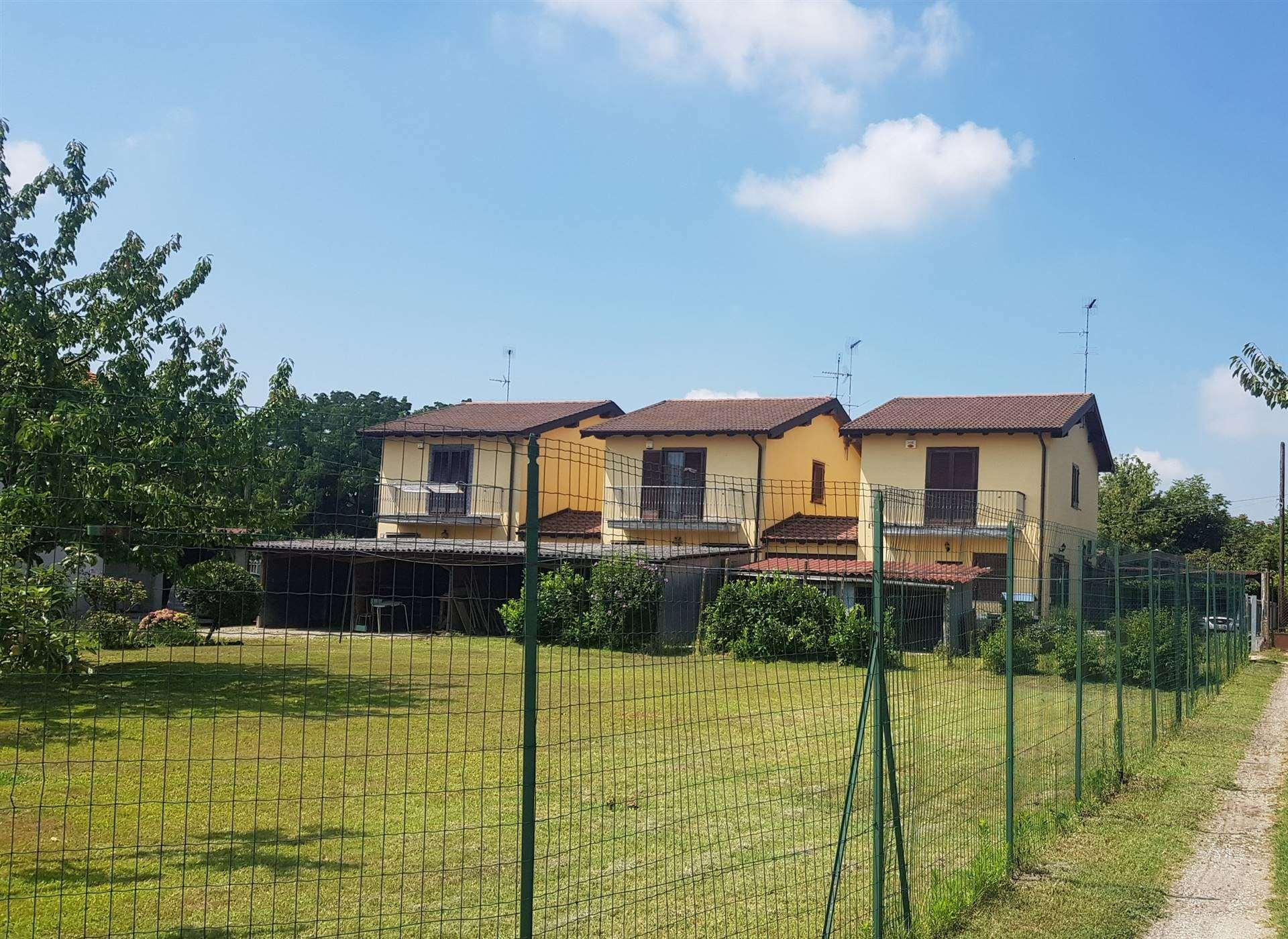 Villa in vendita a Vigevano, 4 locali, prezzo € 180.000 | PortaleAgenzieImmobiliari.it