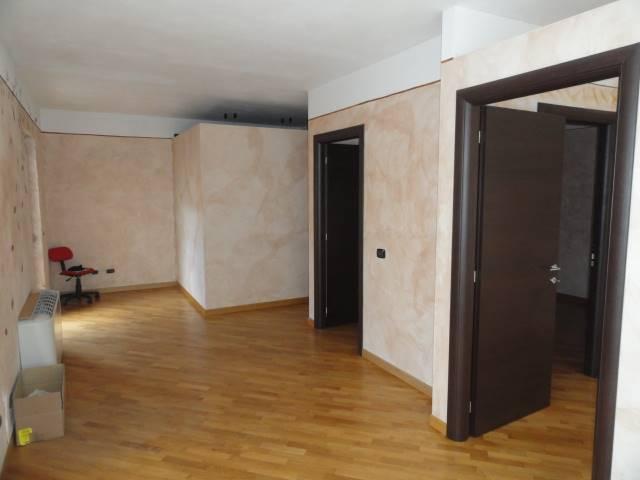 Negozio / Locale in affitto a Vigevano, 1 locali, prezzo € 900 | PortaleAgenzieImmobiliari.it
