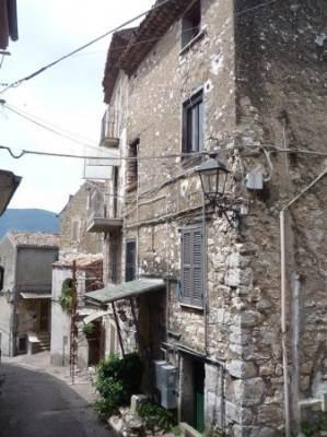 Casa singola, Ceccano, da ristrutturare