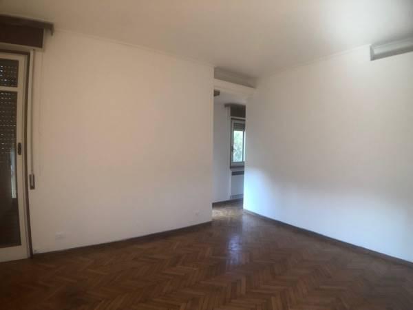 PIAN DEI GIULLARI, FIRENZE, Villa in affitto di 300 Mq, Buone condizioni, Riscaldamento Autonomo, Classe energetica: G, Epi: 175 kwh/m2 anno, posto