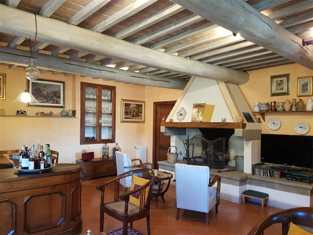 VOLOGNANO, RIGNANO SULL'ARNO, Farmhouse for sale of 240 Sq. mt., Restored, Heating Individual heating system, Energetic class: F, Epi: 150,23 kwh/m2