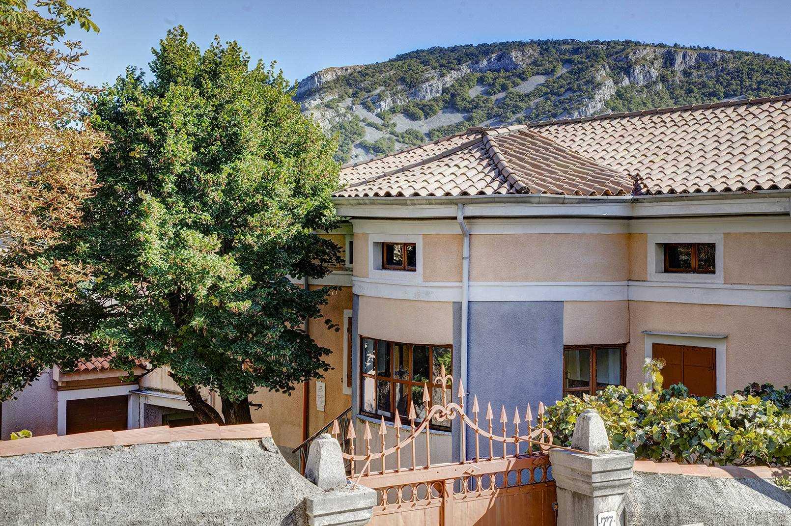 Soluzione Indipendente in vendita a San Dorligo della Valle, 9 locali, zona Località: SANTANTONIO IN BOSCO, prezzo € 449.000 | CambioCasa.it