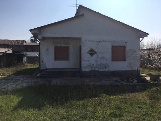 Villa, Valle Lomellina, da ristrutturare