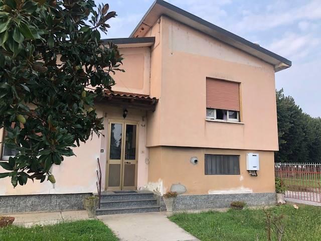 Villa in vendita a Valle Lomellina, 3 locali, prezzo € 105.000 | CambioCasa.it
