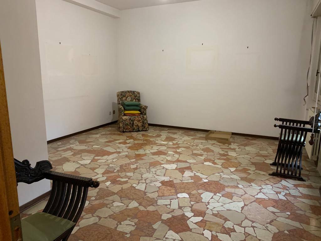 Appartamento in vendita a Mortara, 3 locali, prezzo € 75.000 | CambioCasa.it