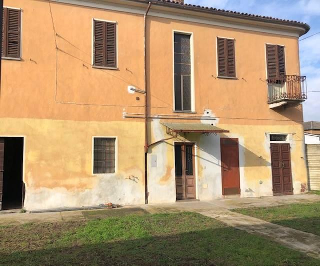 Soluzione Indipendente in vendita a Olevano di Lomellina, 8 locali, prezzo € 70.000 | PortaleAgenzieImmobiliari.it