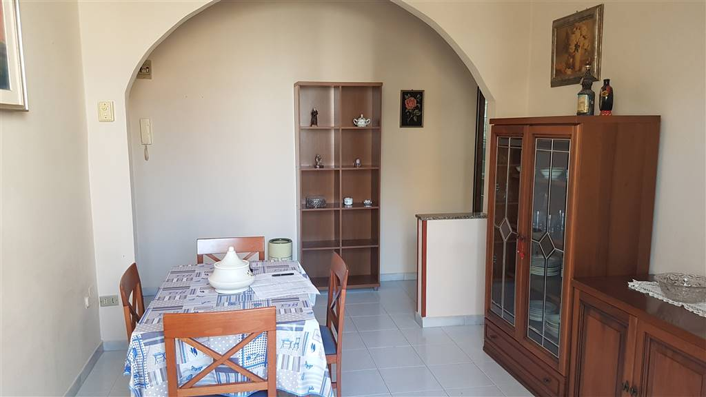 Appartamento in vendita a Siracusa, 3 locali, zona Località: TUNISI, prezzo € 52.000 | PortaleAgenzieImmobiliari.it
