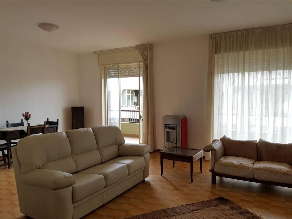 Appartamento in affitto a Siracusa, 4 locali, zona Zona: Scala Greca, prezzo € 550 | CambioCasa.it