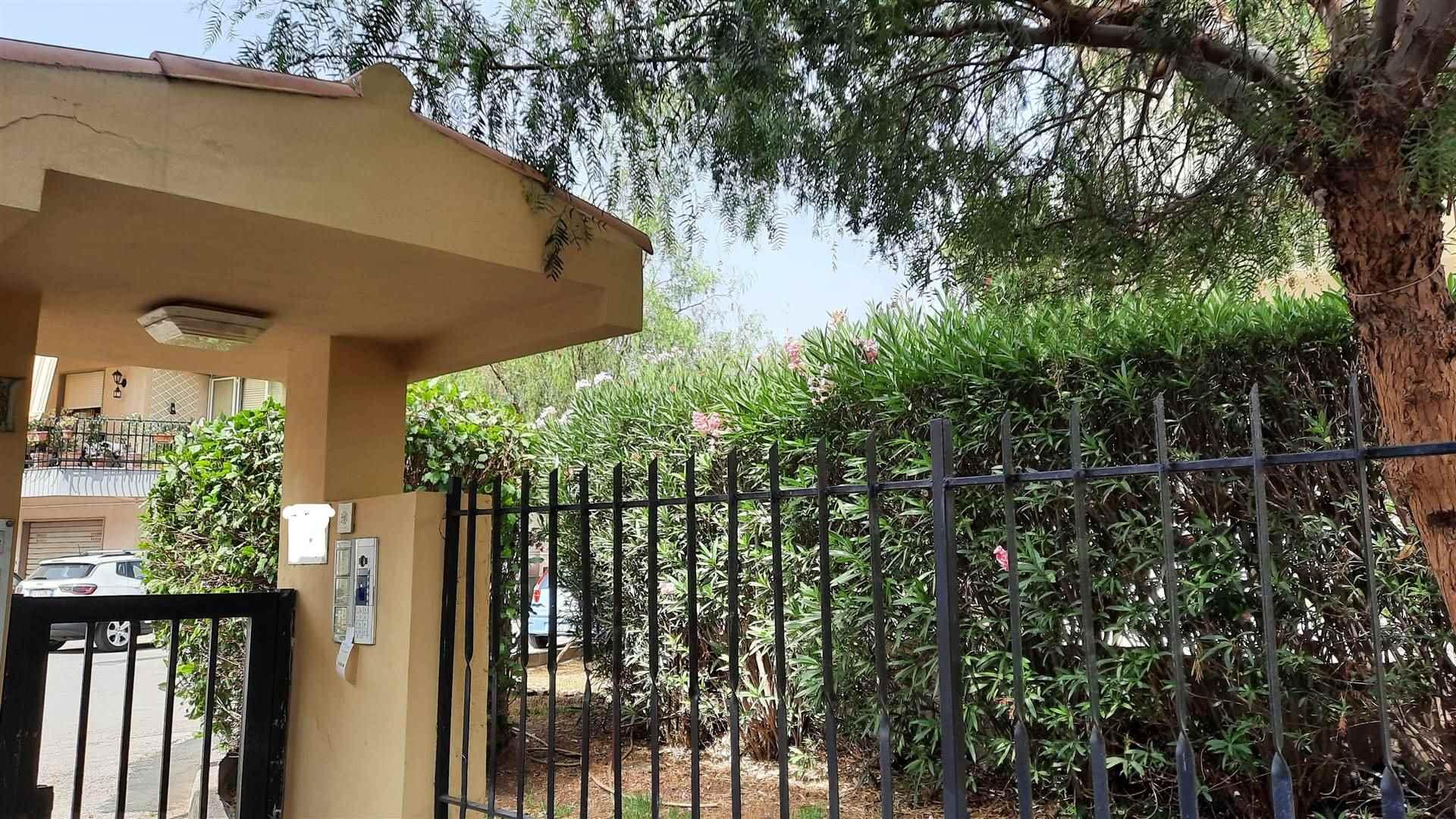 Appartamento in affitto a Siracusa, 5 locali, zona Zona: Grotticelle, prezzo € 600 | CambioCasa.it
