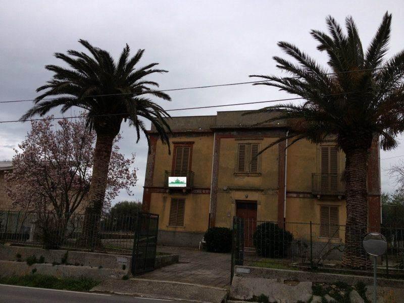 Villa, Brattirò. Carìa, Drapia, abitabile