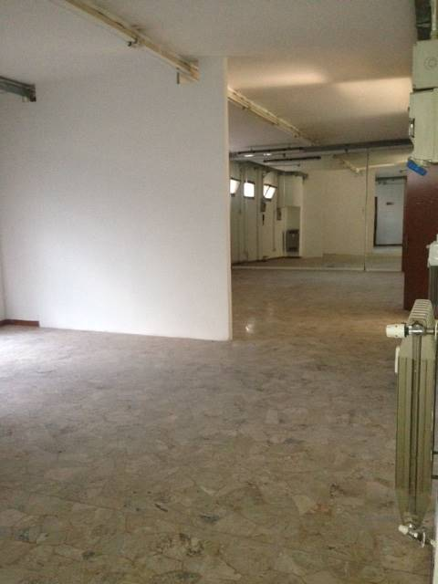 PANCHE, FIRENZE, Office for rent of 180 Sq. mt., Good condition, Heating Centralized, Energetic class: G, Epi: 230 kwh/m3 year, placed at Ground,