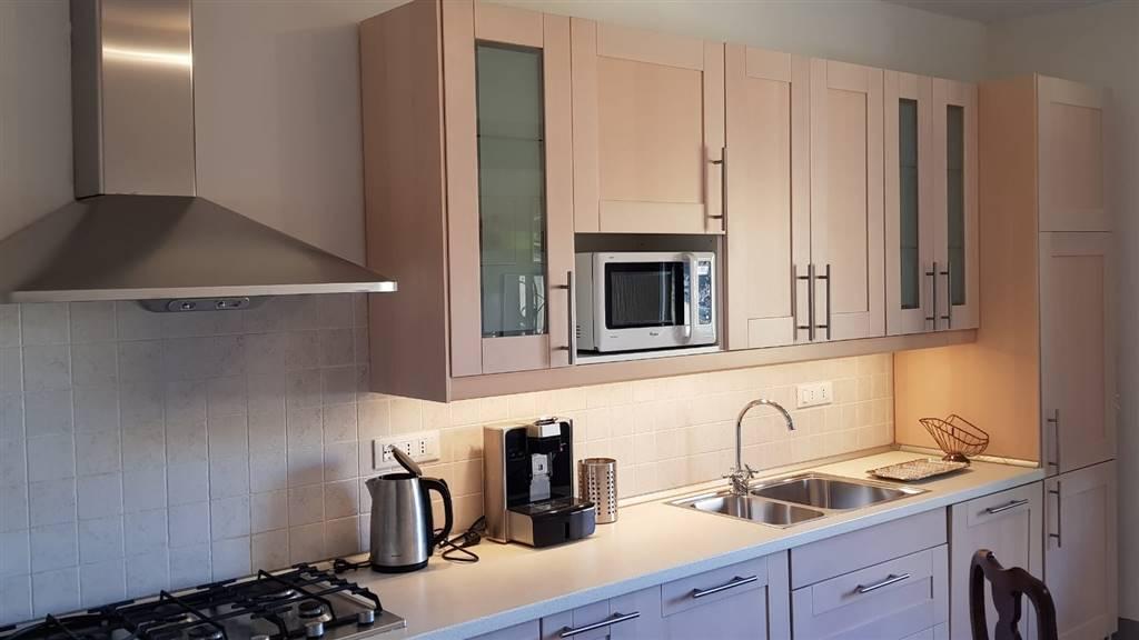 DUOMO, FIRENZE, Appartement des location de 150 Mq, Restauré, Chauffage Centralisé, Classe Énergétique: G, Epi: 230 kwh/m2 l'année, par terre 4° sur