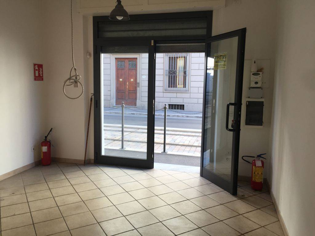 RIFREDI, FIRENZE, Business unit for rent of 35 Sq. mt., Restored, Heating Individual heating system, Energetic class: G, Epi: 56 kwh/m3 year, placed