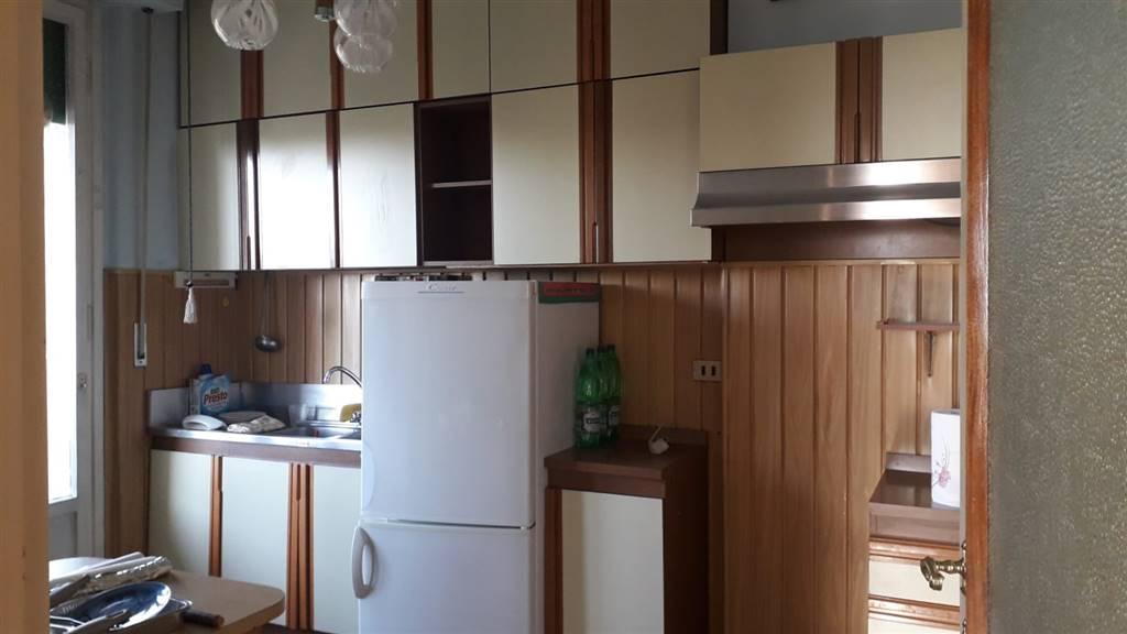 CAMPO DI MARTE, FIRENZE, Appartement des vendre de 60 Mq, À restauré, Chauffage Centralisé, Classe Énergétique: G, Epi: 230 kwh/m2 l'année, par terre