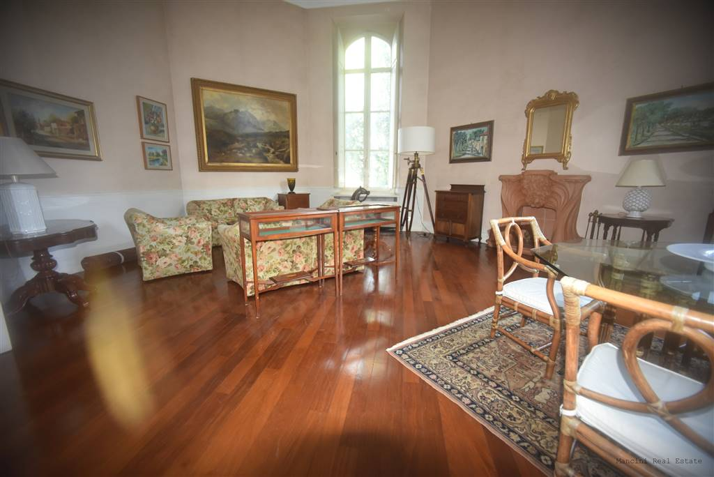 FERRUCCI, FIRENZE, Apartment for sale of 250 Sq. mt., Good condition, Heating Individual heating system, Energetic class: G, Epi: 230 kwh/m2 year,