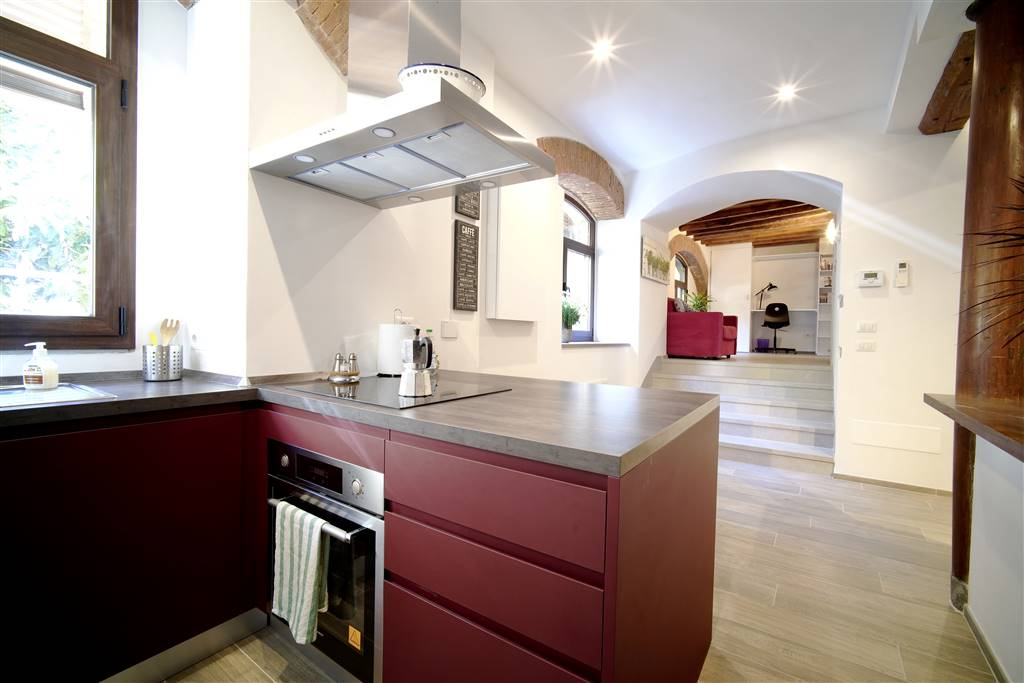 CENTRO STORICO, FIRENZE, Apartment for sale of 70 Sq. mt., Restored, Heating Individual heating system, Energetic class: G, Epi: 230 kwh/m2 year,