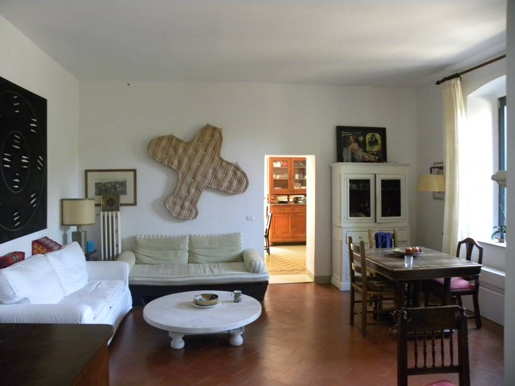 CINQUE VIE, FIRENZE, Apartment for rent of 100 Sq. mt., Restored, Heating Individual heating system, Energetic class: G, Epi: 206,4 kwh/m2 year,