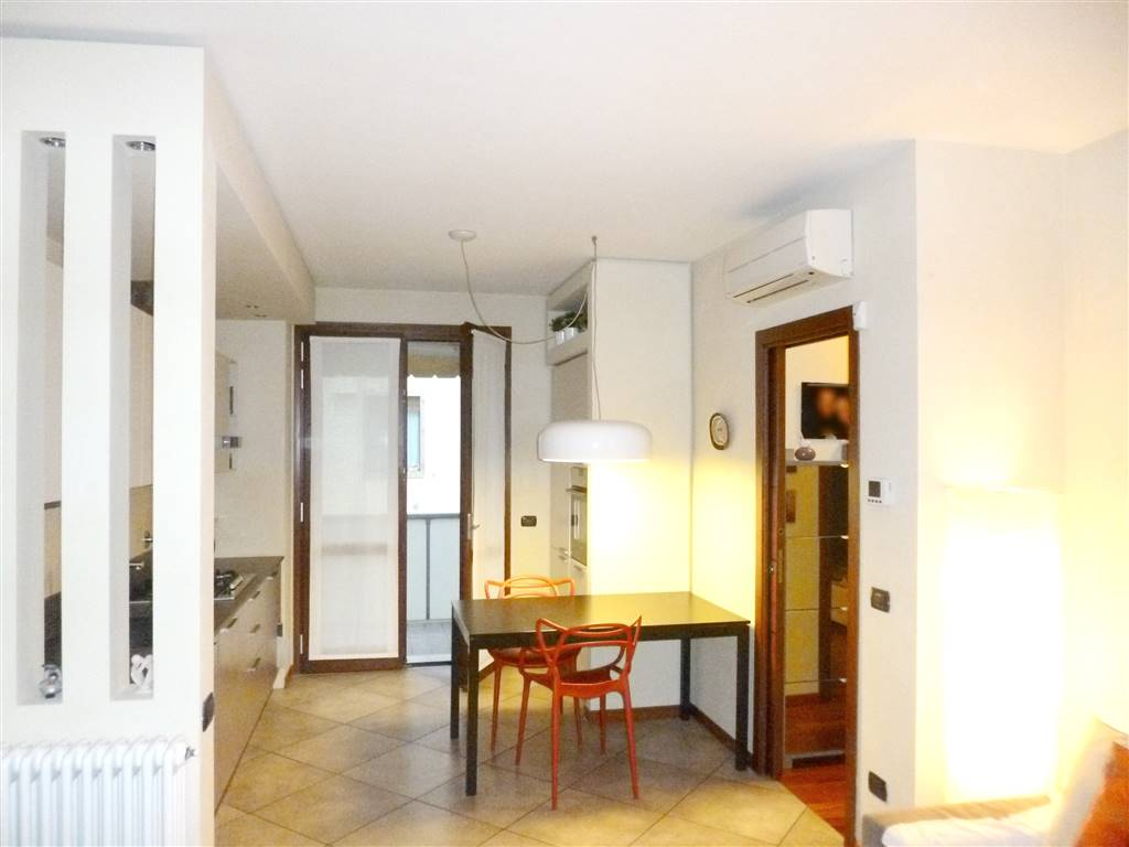 RAGNAIA, SESTO FIORENTINO, Appartamento in vendita di 70 Mq, Ottime condizioni, Riscaldamento Centralizzato, Classe energetica: B, posto al piano 2°
