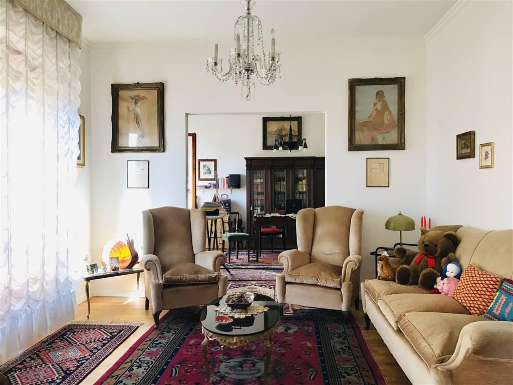 OBERDAN, FIRENZE, Appartement des vendre de 130 Mq, Excellentes, Chauffage Autonome, Classe Énergétique: G, par terre 4° sur 6, composé par: 6 Locals,
