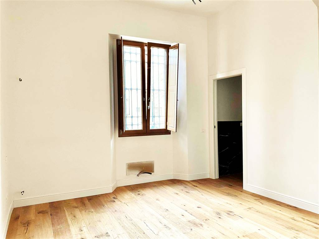VARLUNGO, FIRENZE, Apartment for sale of 110 Sq. mt., Restored, Heating Individual heating system, Energetic class: G, placed at Ground on 2,