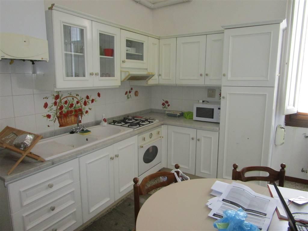 GAVINANA, FIRENZE, Appartamento in affitto di 95 Mq, Ottime condizioni, Riscaldamento Autonomo, Classe energetica: G, Epi: 241,42 kwh/m2 anno, posto