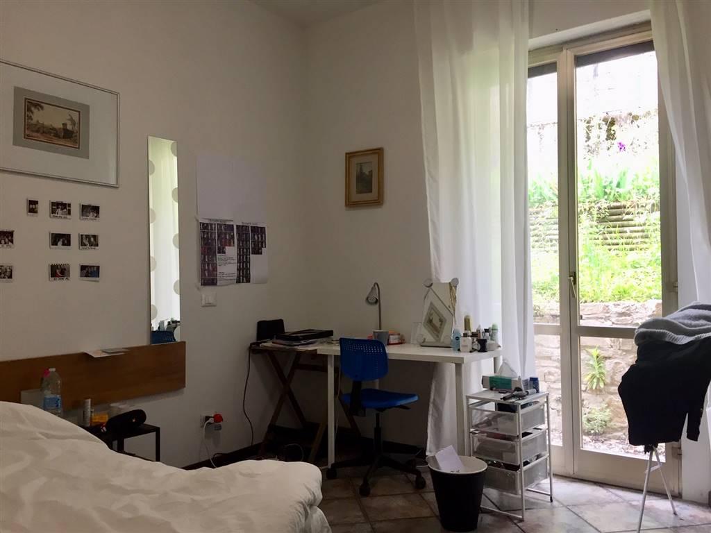 OLTRARNO, FIRENZE, Appartement des location de 75 Mq, Bon , Chauffage Autonome, Classe Énergétique: G, Epi: 245,63 kwh/m2 l'année, composé par: 3