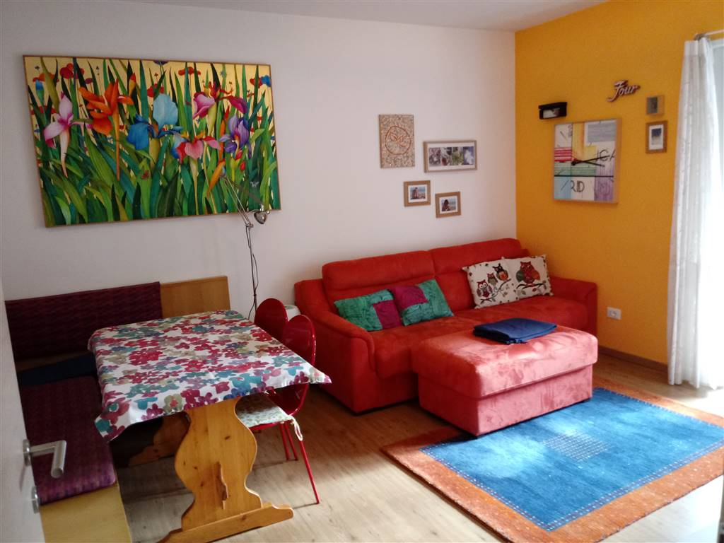 EUROPA, BOLZANO, Apartment for sale of 83 Sq. mt., Restored, Heating Centralized, Energetic class: G, placed at 1°, composed by: 3 Rooms, Separate