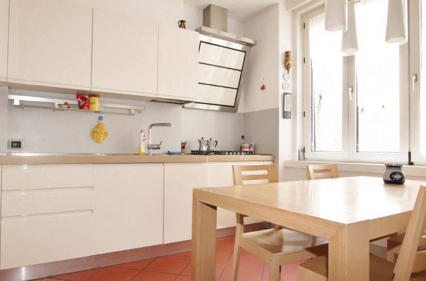 GRIES, BOLZANO, Apartment for sale of 130 Sq. mt., Restored, Heating Centralized, Energetic class: G, placed at 3°, composed by: 4 Rooms, Separate