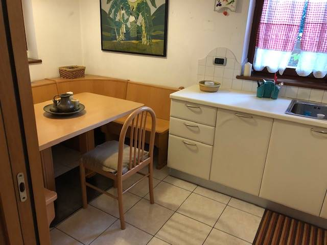 RESIDENZIALE, BOLZANO, Apartment for sale of 96 Sq. mt., Good condition, Heating Centralized, Energetic class: F, placed at Ground, composed by: 3