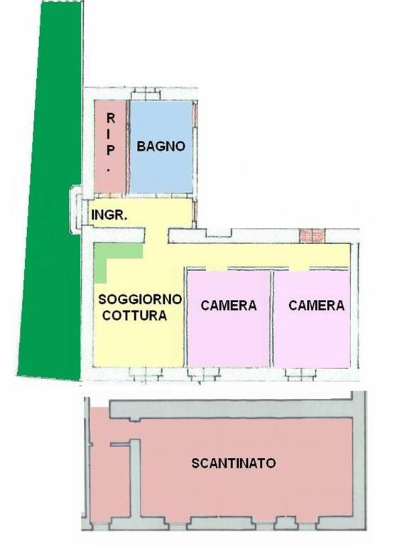 Vendesi appartamento al piano terra composto da ingresso, cucina/soggiorno, 2 camere da letto, bagno finestrato, ripostiglio, cortile e ampia