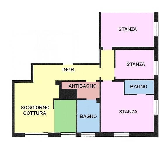 Vendesi appartamento ristrutturato con 3 camere da letto, ingresso, 1 soggiorno/cucina, 1 antibagno, 2 bagni/wc, cantina e posto auto condominiale