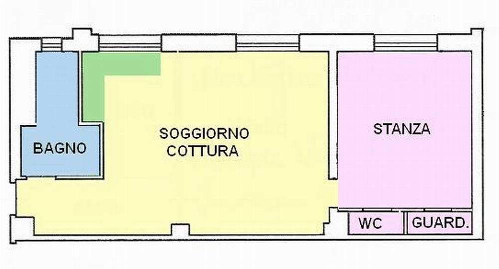 Vendesi luminoso bilocale di generose dimensioni, AL GREZZO, Piazza Vittoria, al piano intermedio composto da ingresso, bagno finestrato, soggiorno