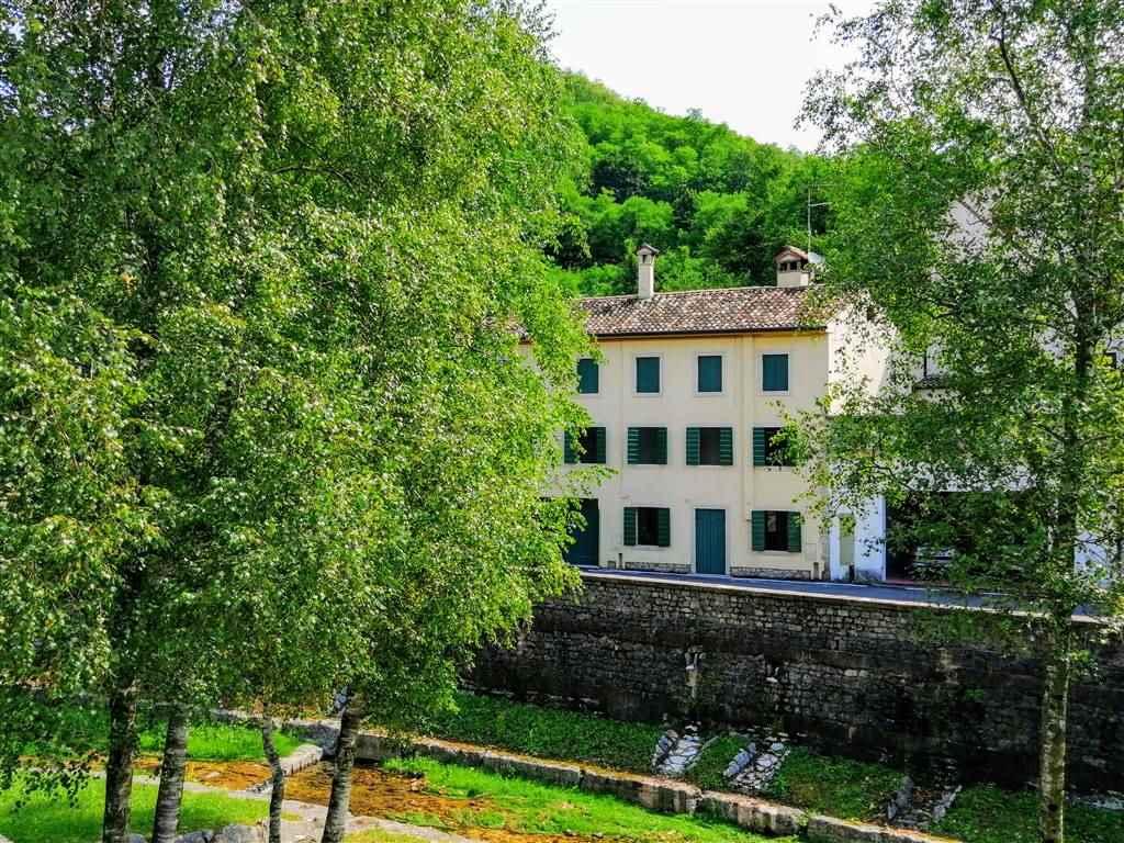 Appartamento in vendita a Cison di Valmarino, 5 locali, prezzo € 100.000 | PortaleAgenzieImmobiliari.it