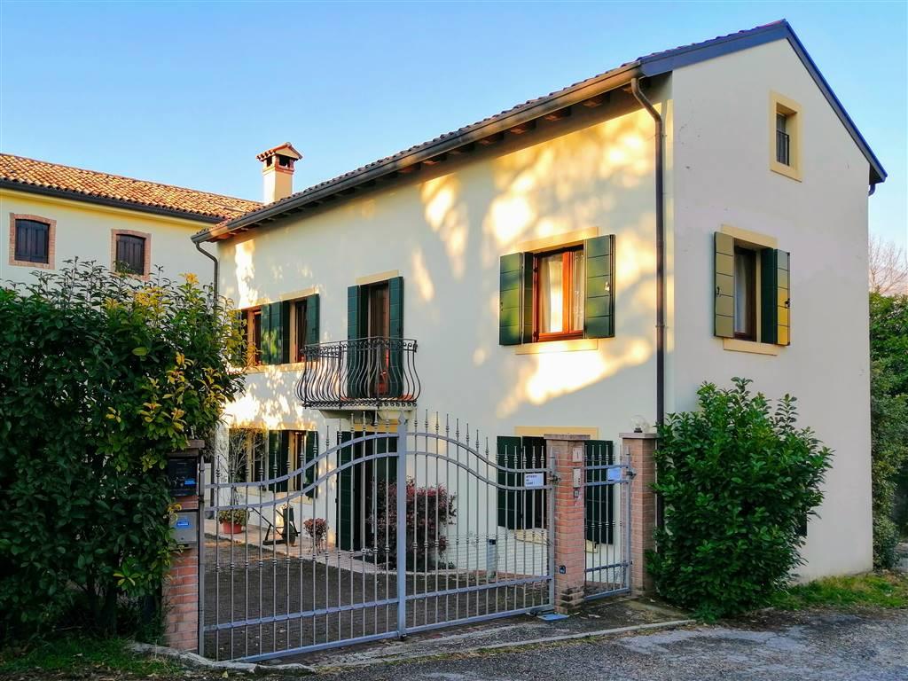 Soluzione Indipendente in vendita a Vittorio Veneto, 5 locali, prezzo € 195.000   CambioCasa.it