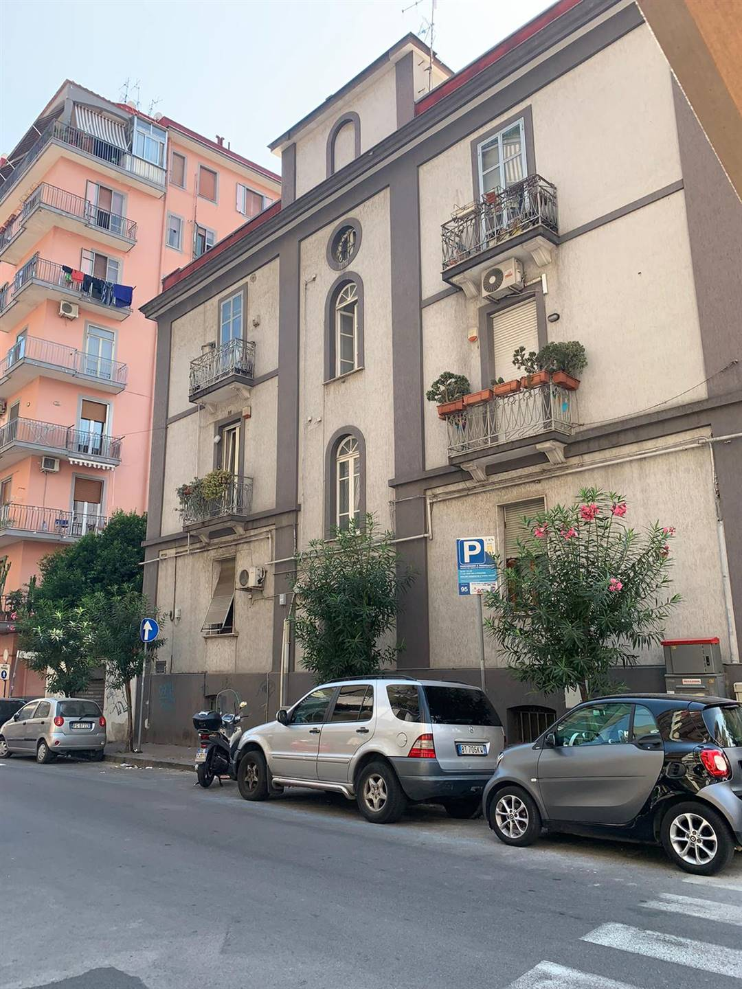 CENTRO, SALERNO, Apartment for rent of 85 Sq. mt., Energetic class: G, composed by: 3 Rooms, 2 Bathrooms, Parking space, Price: € 850