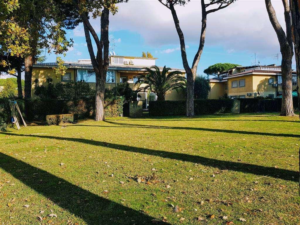 Appartamento in vendita a Roma zona Casal palocco - rif. V017