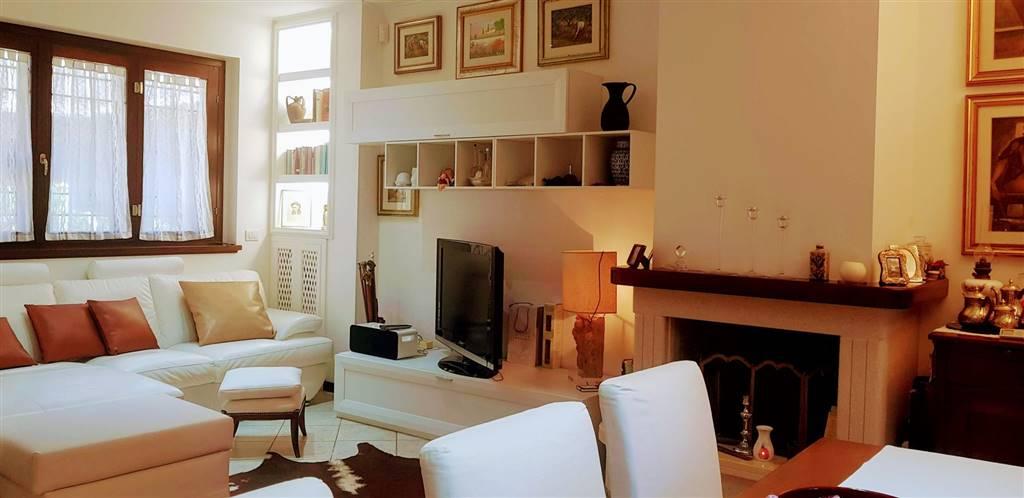 Villa in vendita a Roma, 4 locali, zona Zona: 38 . Acilia, Vitinia, Infernetto, Axa, Casal Palocco, Madonnetta, prezzo € 260.000 | CambioCasa.it