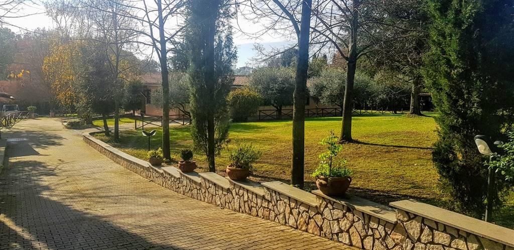 Villa in vendita a Campagnano di Roma, 5 locali, prezzo € 650.000 | CambioCasa.it