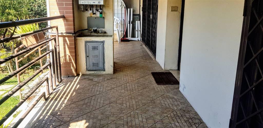 Appartamento in affitto a roma zona fonte laurentina rif for Affitto roma laurentina