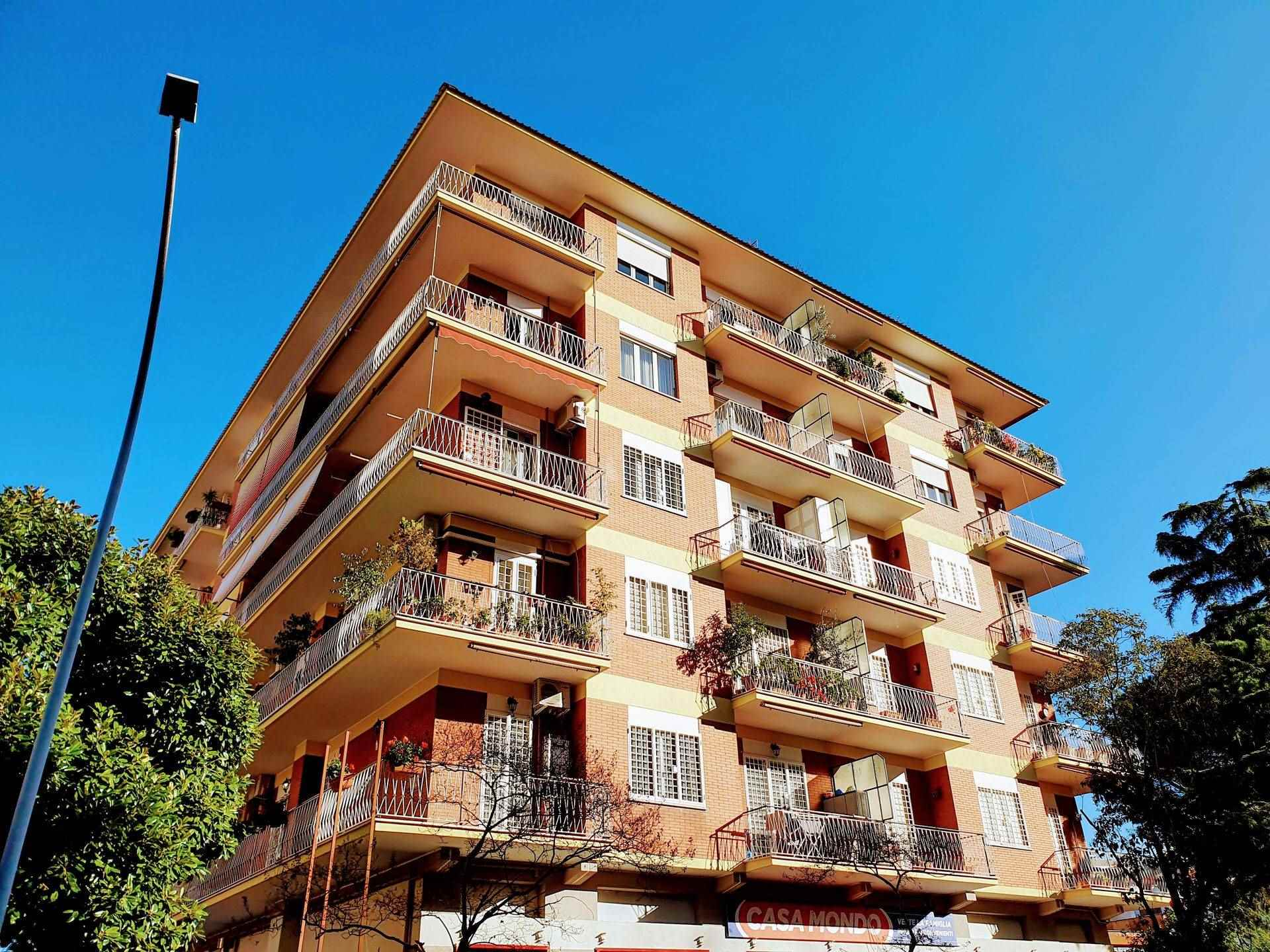Appartamento in vendita a Roma, 5 locali, zona Zona: 10 . Pigneto, Largo Preneste, prezzo € 695.000   CambioCasa.it