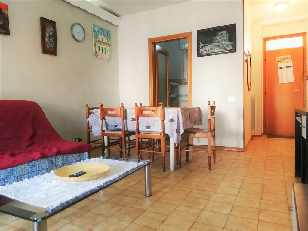 Appartamento in vendita a Porto Recanati, 3 locali, zona Zona: Quartiere Nord - Scossicci, prezzo € 90.000 | CambioCasa.it