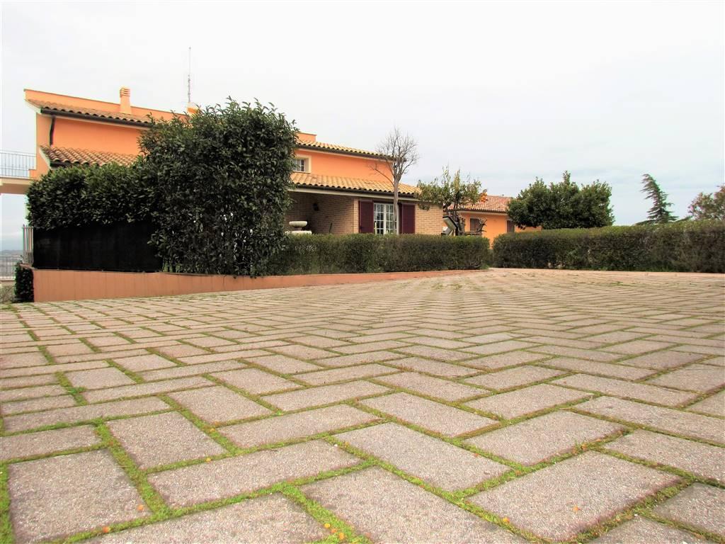 Villa, Recanati, in ottime condizioni
