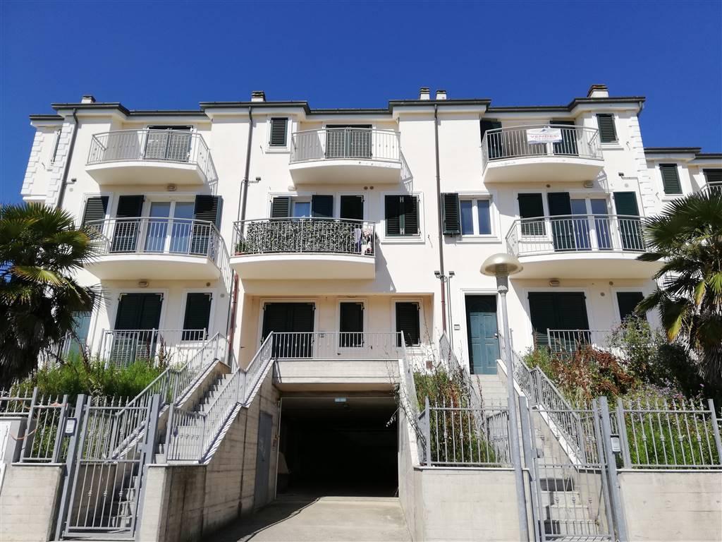 Appartamento in vendita a Porto Recanati, 5 locali, zona tiere Ovest - Grotte - Montarice, prezzo € 157.000 | PortaleAgenzieImmobiliari.it