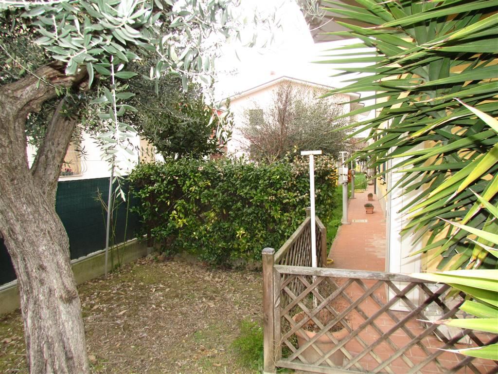 Appartamento in vendita a Loreto, 6 locali, zona Località: MUSONE, prezzo € 145.000 | CambioCasa.it