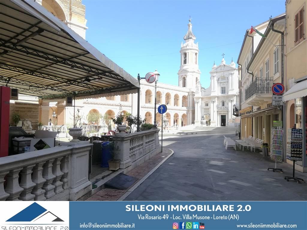 Appartamento in vendita a Loreto, 4 locali, zona Zona: rioni: le Mura, prezzo € 72.000 | CambioCasa.it